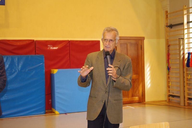 Ilustracja do informacji: Spotkanie z Jackiem Fedorowiczem – znanym polskim satyrykiem