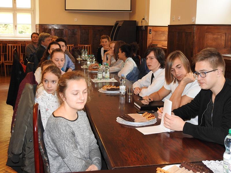 Ilustracja do informacji: Młodzieżowa Rada Miejska z Berlina z wizytą w Międzyrzeczu