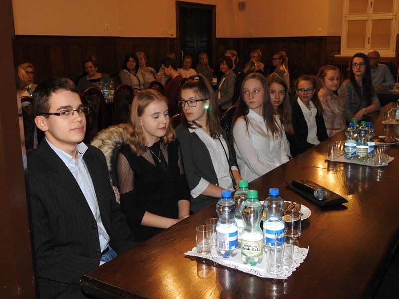 Ilustracja do informacji: Inauguracyjna sesja Młodzieżowej Rady Miejskiej kadencji 2017/2018