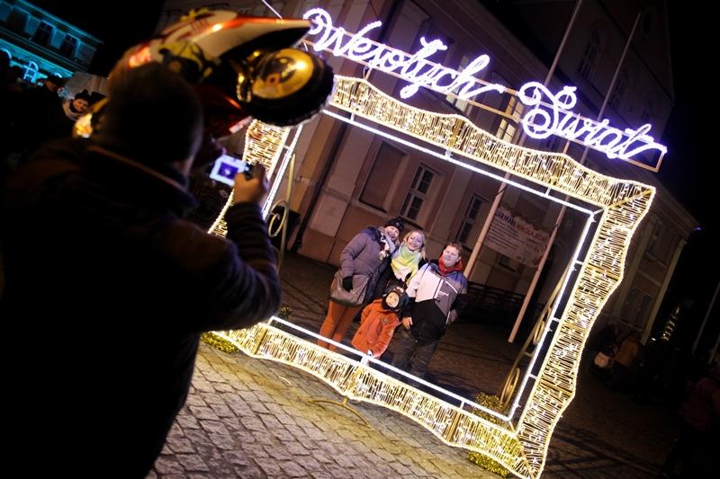 Ilustracja do informacji: Kolorowy, świąteczny Jarmark Mikołajkowy w Międzyrzeczu