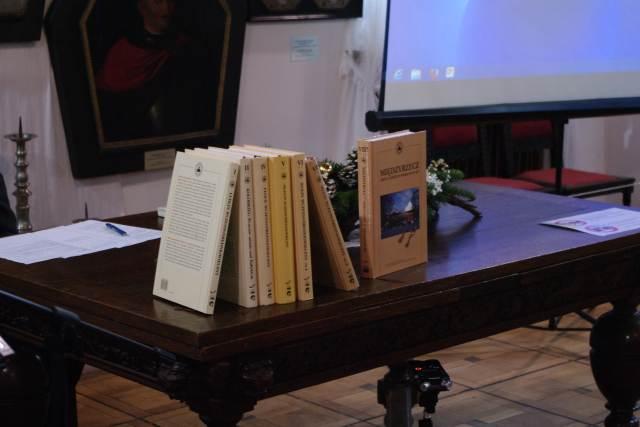 """Ilustracja do informacji: Promocja książki """"Międzyrzecz. Gród i Zamek w wiekach IX-XIV"""""""