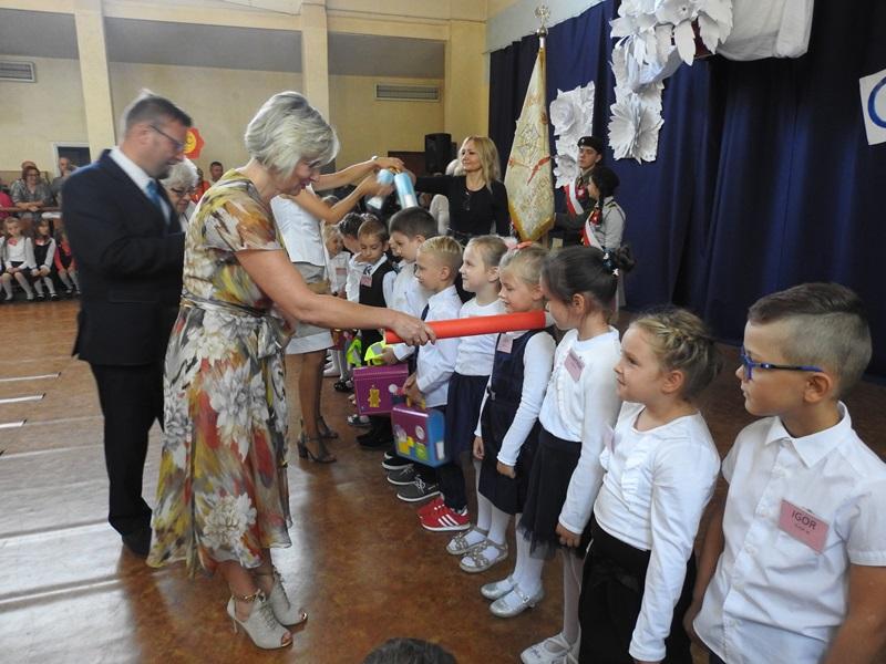 Ilustracja do informacji: Inauguracja roku szkolnego 2018/2019 w międzyrzeckich szkołach