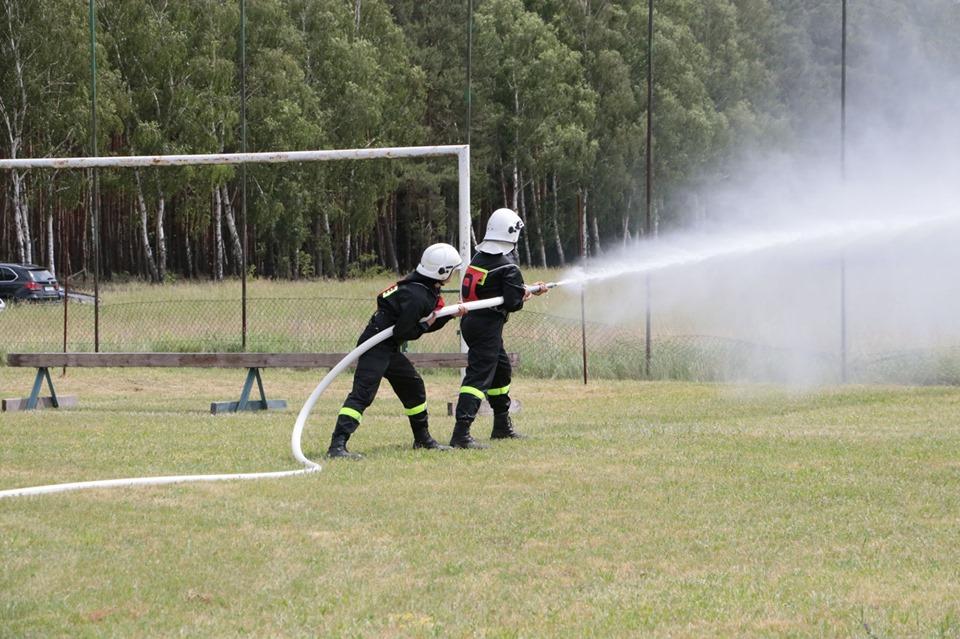 Ilustracja do informacji: Skąd są najlepsi strażacy? Z Kaławy oczywiście! [ZDJĘCIA, WIDEO]