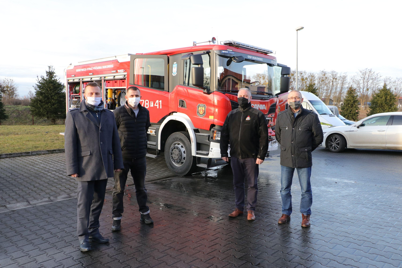 Ilustracja do informacji: Nowy wóz bojowy dla strażaków z Bukowca