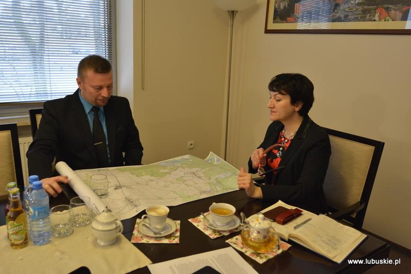 Ilustracja do informacji: Spotkanie burmistrza Międzyrzecza z Marszałek Województwa