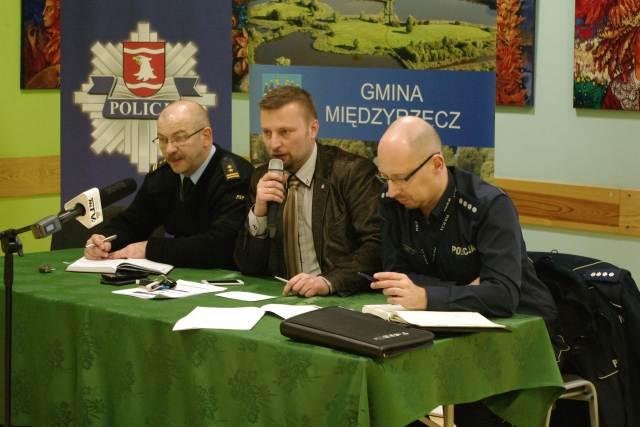 Ilustracja do informacji: Konsultacje społeczne nt. bezpieczeństwa w gminie